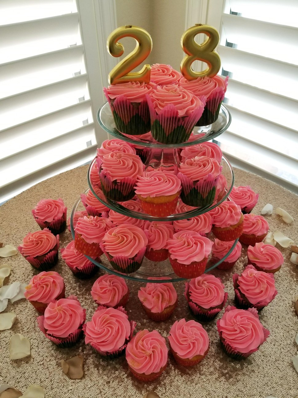 rose-cupcake-tower